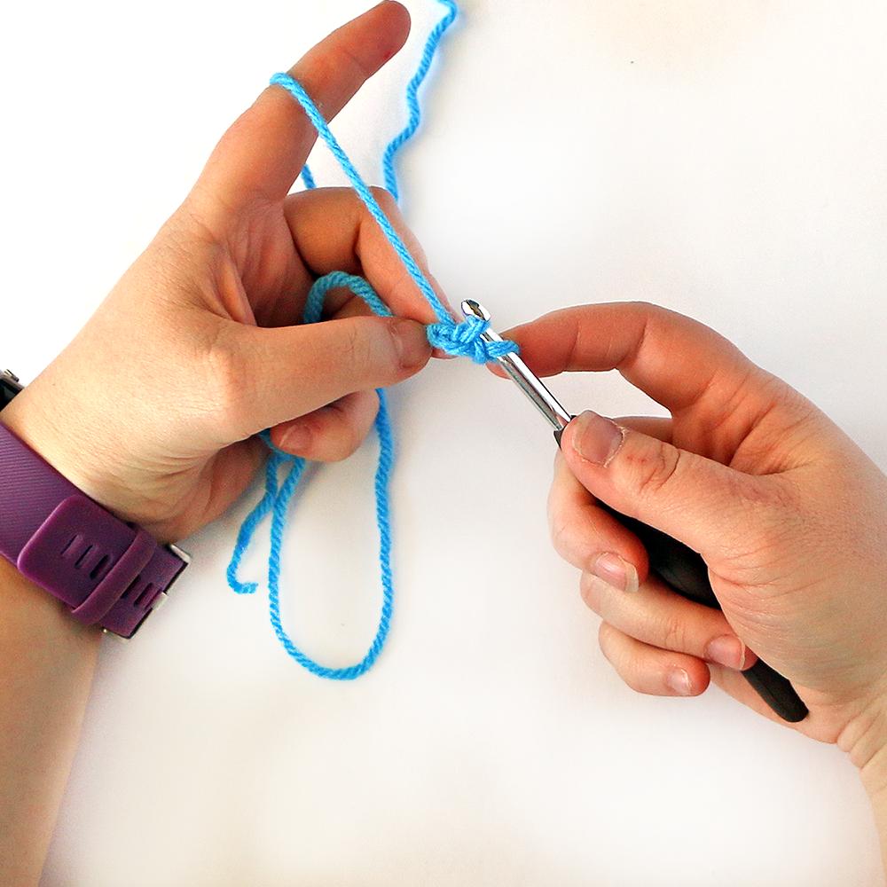 Foundation Single Crochet Stitch Step 3