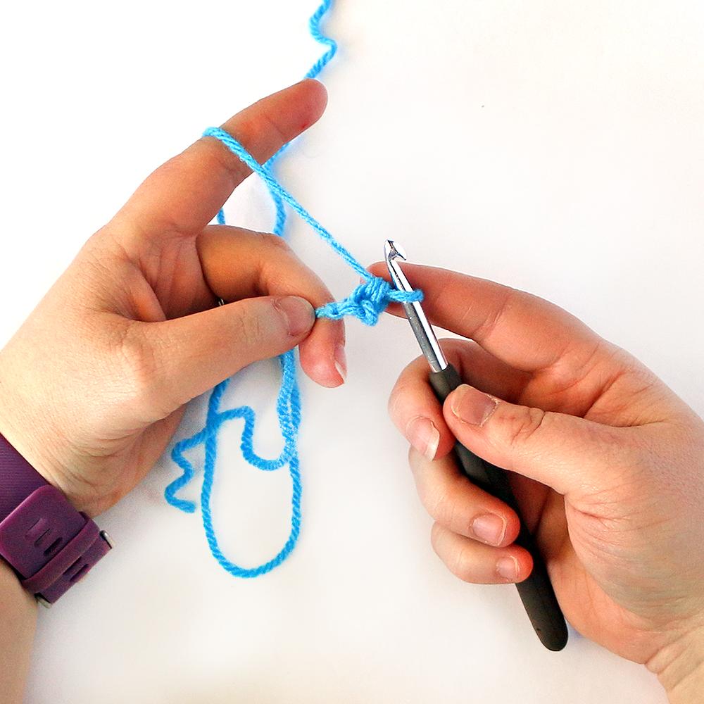 Foundation Single Crochet Stitch Step 5