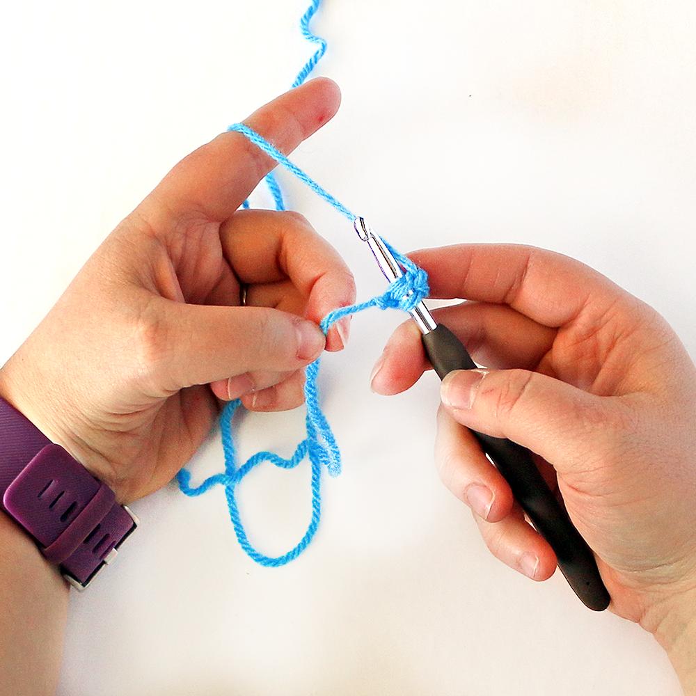 Foundation Single Crochet Stitch Step 6