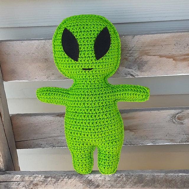 Alien Ragdoll Crochet Pattern by Osage County Crochet