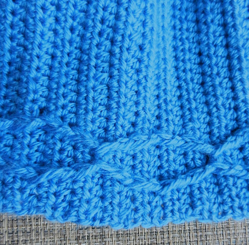Close up of the post stitches on the Catena Hat