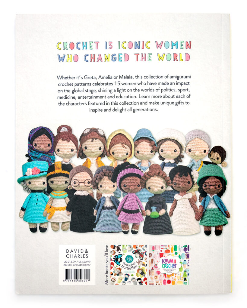 Back cover of crochet iconic women by carla mitrani