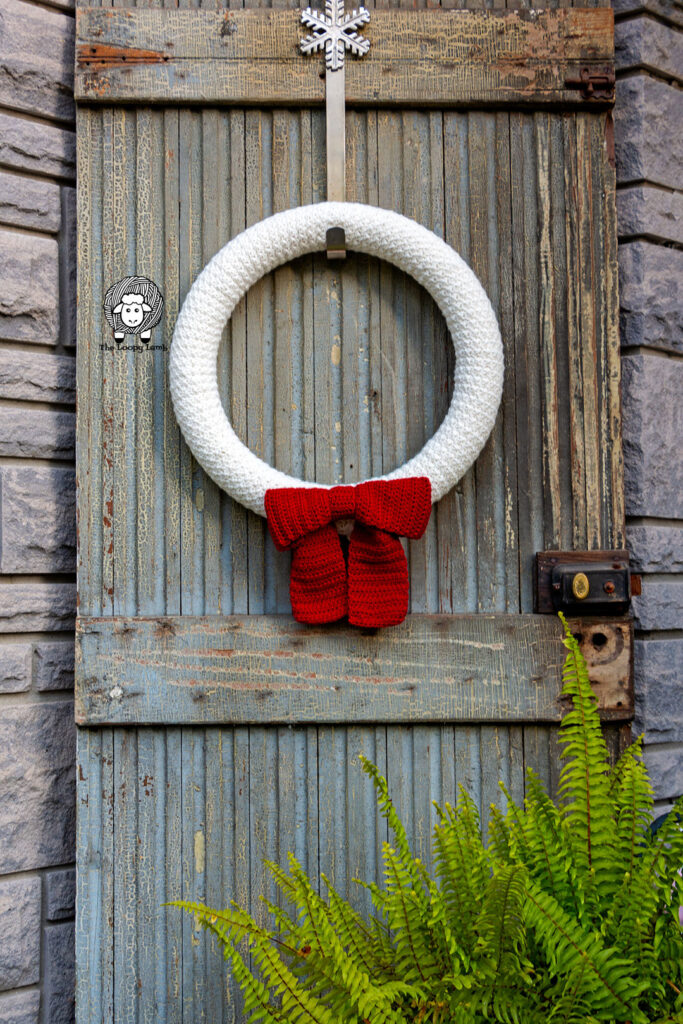Crochet christmas decor made with this crochet christmas decor free pattern