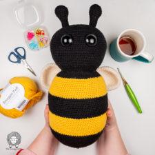 Free Crochet Bee Pattern – Amigurumi Bumble Bee