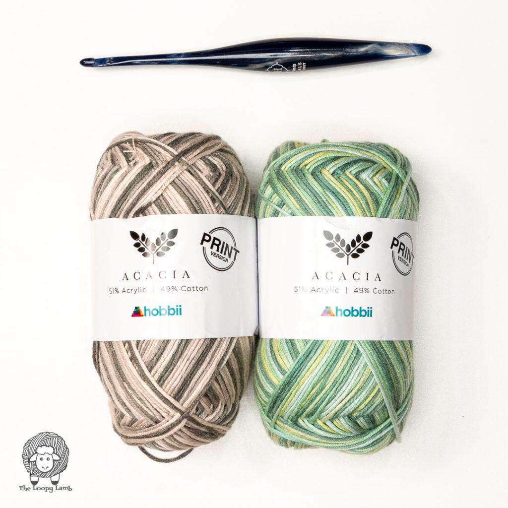 2 balls of Hobbii Acacia Print